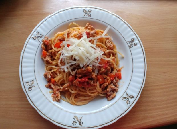 Spaghetti bolognese z selerem naciowym