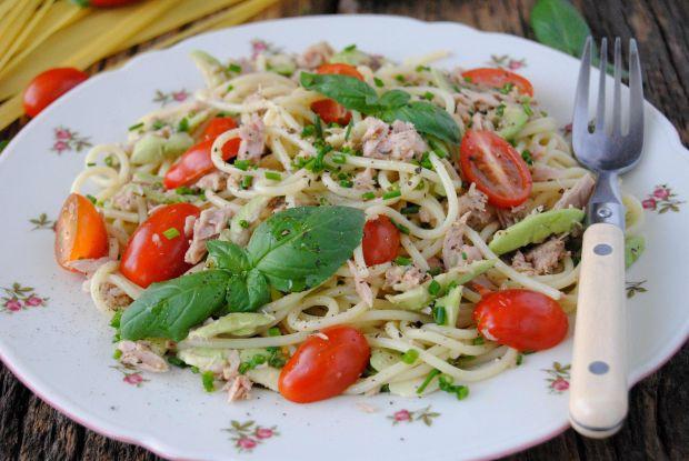 Spaghetti z awokado i tuńczykiem