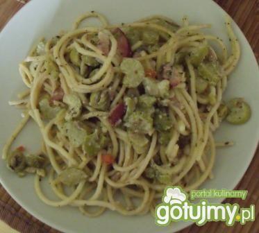 Spaghetti z białym sosem