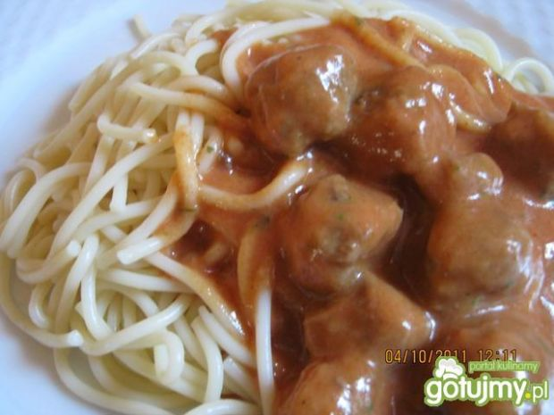Spaghetti z klopsikami.