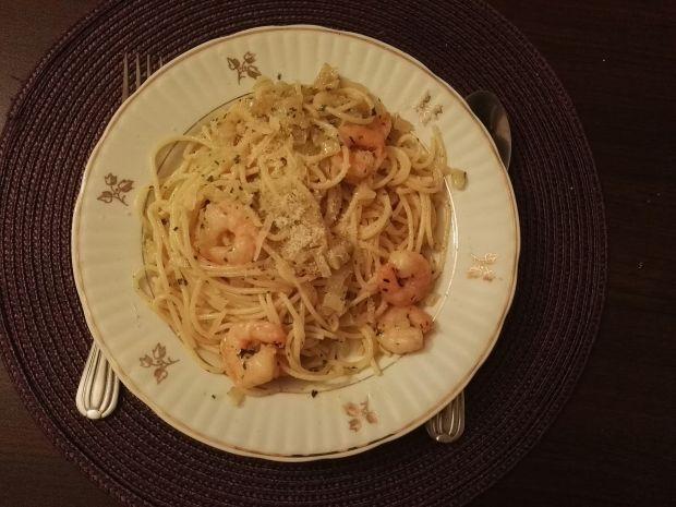 Spaghetti z krewetkami w sosie maślano-czosnkowym