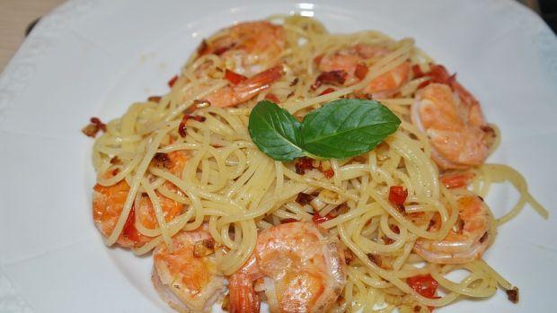 Spaghetti z małżami i krewetkami