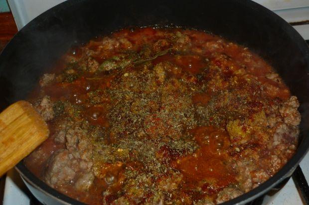 Spaghetti z papryką i natką pietruszki