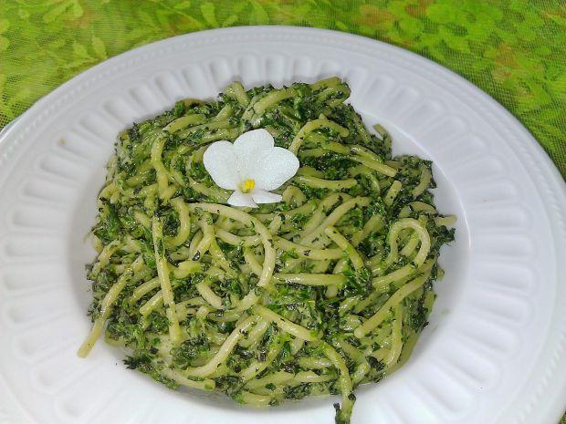Spaghetti z pokrzywa i szpinakiem