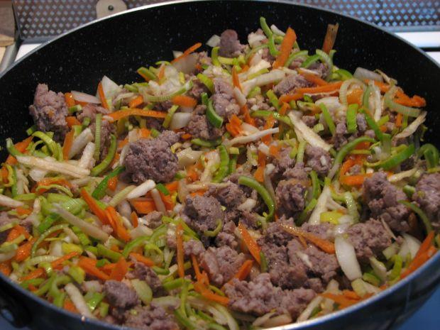 Spaghetti z sosem mięsno-warzywny