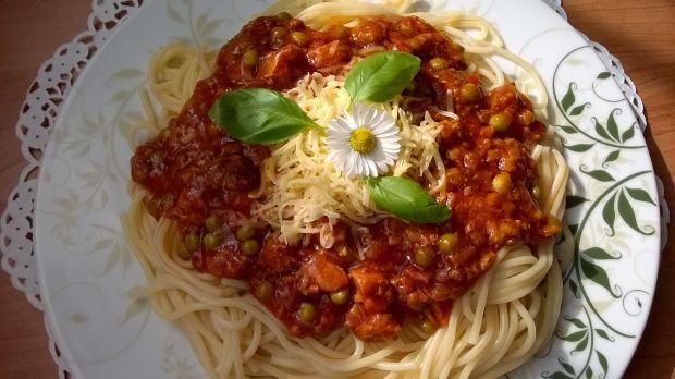 Spaghetti z sosem po neapolitańsku