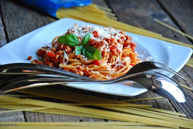 Spaghetti z sosem ze świeżeych pomidorów