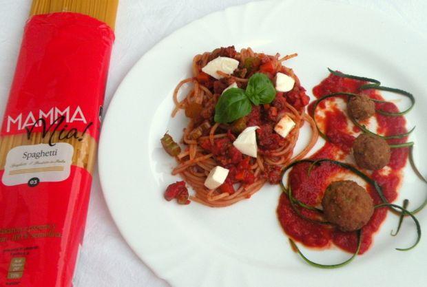 Spaghetti z wołowiną w czerwonym winie