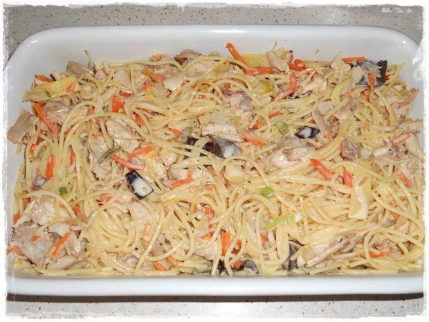 Spaghetti zapiekane z kurczakiem i chińszczyzną