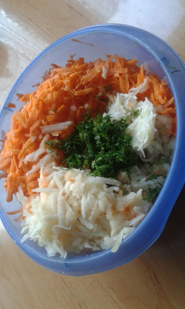 Surówka do obiadu z kapusty kiszonej