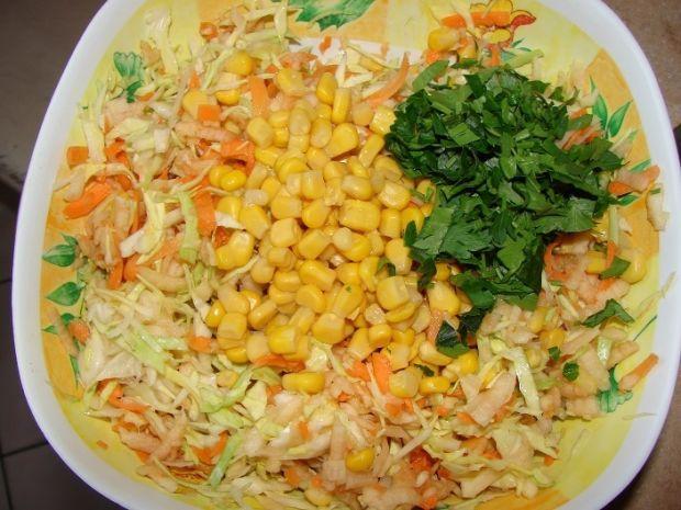 Surówka obiadowa z dodatkiem szpinaku