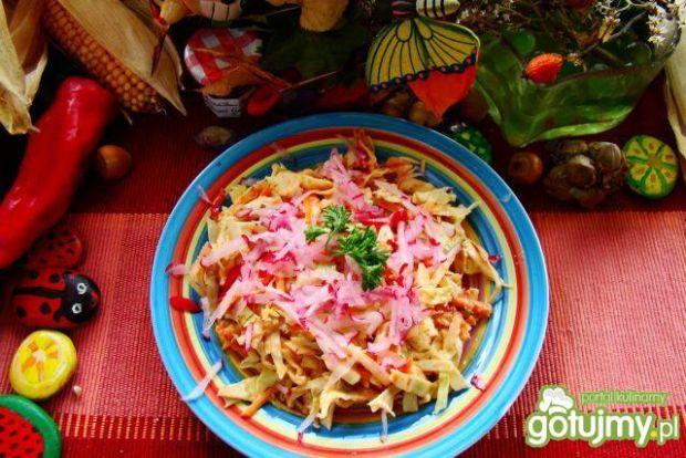 Surówka obiadowa z różowym sosem