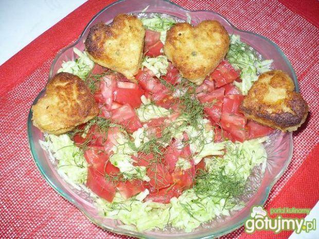 surówka ogórkowo-pomidorowa z dodatkiem