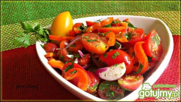 Surówka paprykowo pomidorowa 2