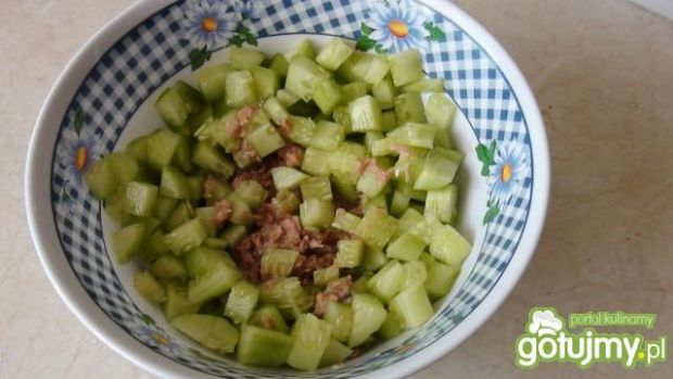 Surówka warzywna z tuńczykiem