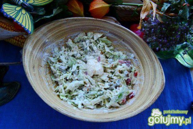 Surówka z białej kapusty z majonezme