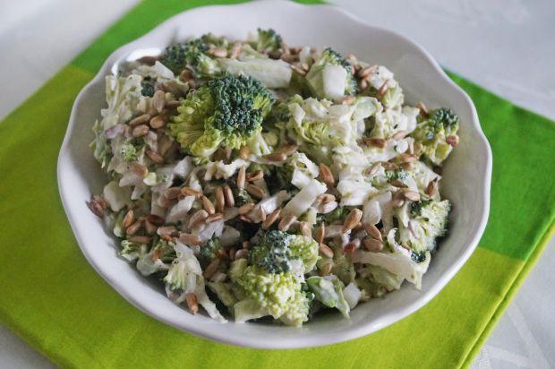 Surówka z brokuła i pekinki