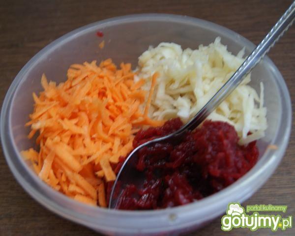 Surówka z buraczków z marchewką