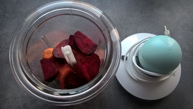 Surówka z buraka i marchewki