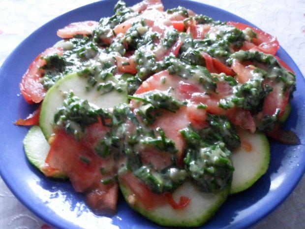 Surówka z cukinii i pomidorów