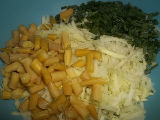 Surówka z kalarepy i fasolki szparagowej