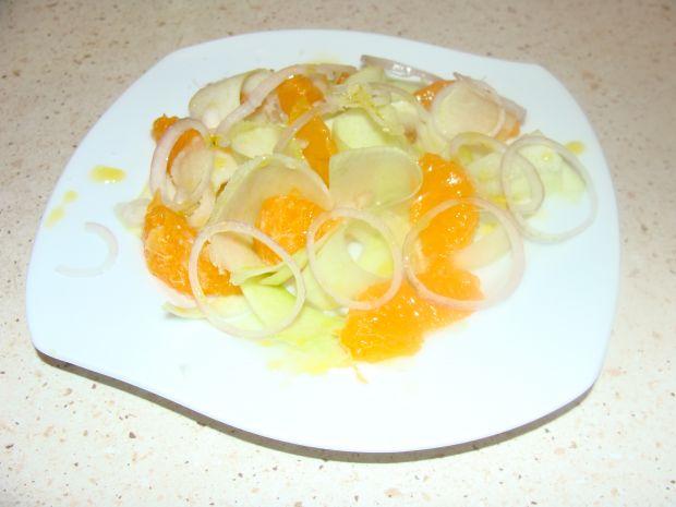 Surówka z kalarepy i pomarańczy