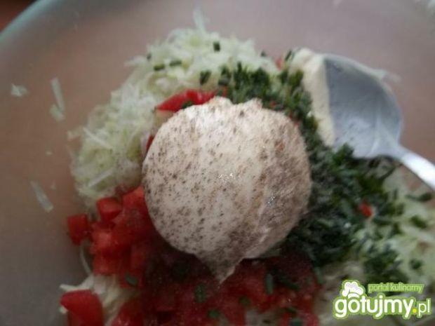 Surówka z kalarepy i pomidora