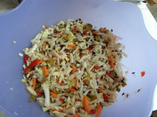 Surówka z kapusty pekińskiej z siemieniem lnianym