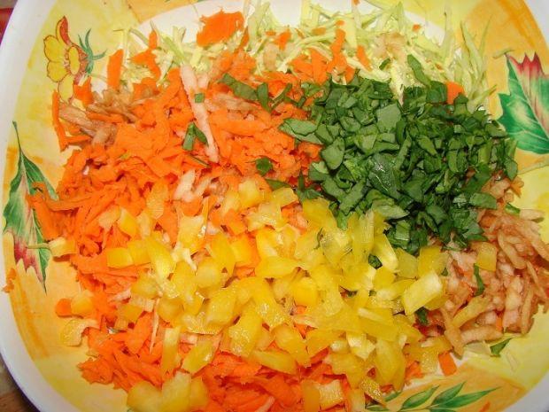 Surówka z kukurydzą i papryką