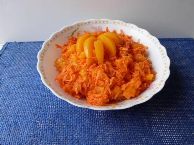 Surówka z marchewki i brzoskwiń