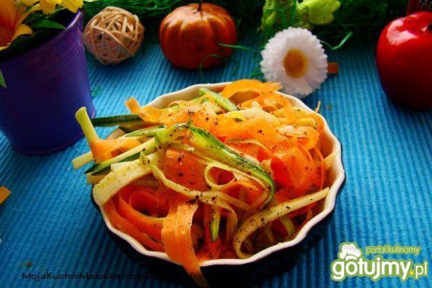 Surówka z marchewki i cukinii