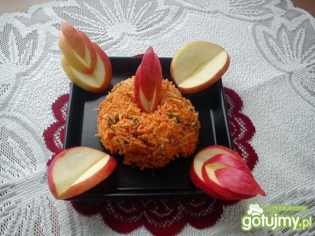 Surówka z marchewki i świeżego chrzanu