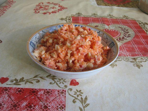 Surówka z marchewki, papryki i selera