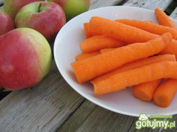 Surówka z marchewki z jabłkami