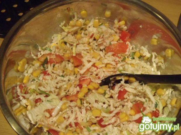 Surówka z pekinki i kukurydzy