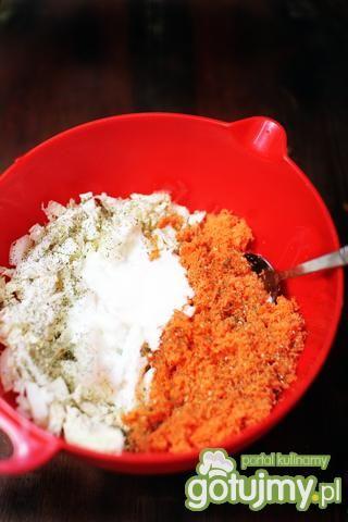 Surówka z pekinki i tartej marchewki