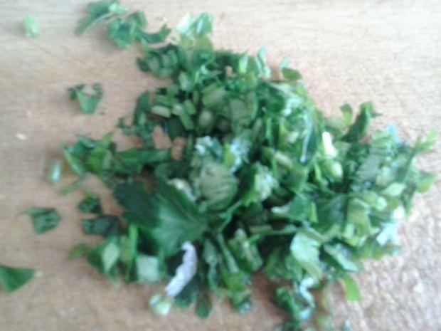 Surówka z pomidorów selera naciowego i sałaty