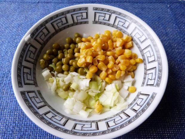 Surówka z pora i kukurydzy