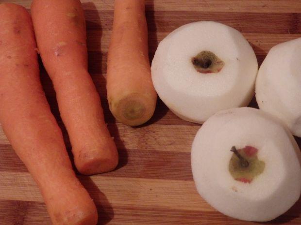 Surówka z pora, jabłka i marchewki