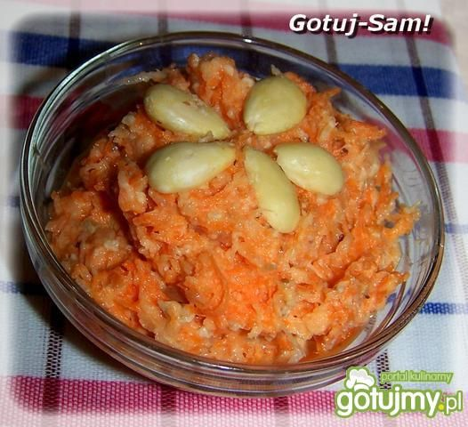 Surówka  z rzepki i marchewki
