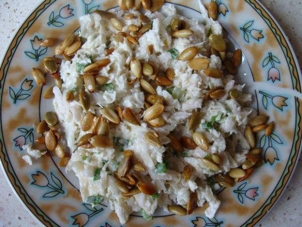 Surówka z rzepy i prażonych nasion dyni