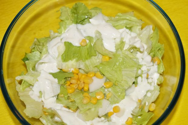 Surówka z rzodkwią i kukurydzą