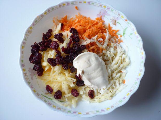 Surówka z selera i gruszki