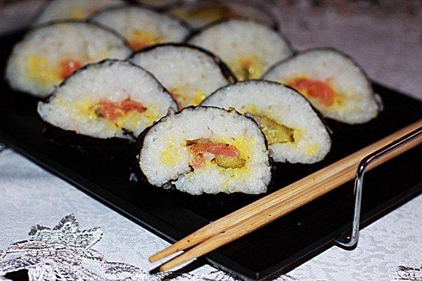 Sushi z łososiem