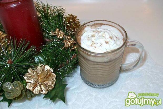 Świąteczna kawa miętowa