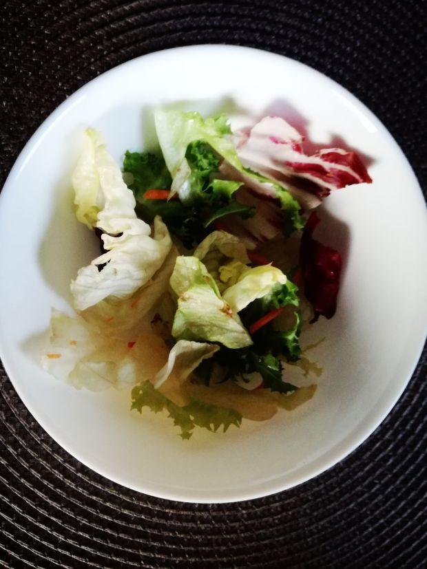 Świąteczna sałatka z szynką
