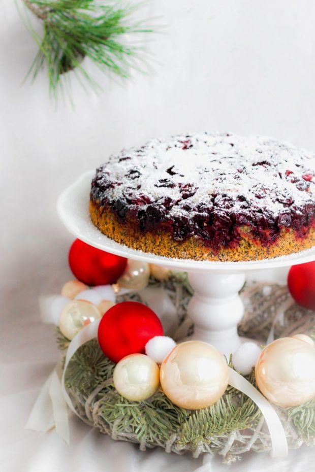 Świąteczne ciasto makowe z wiśniami