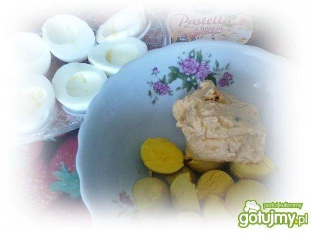 Świąteczne jajka z pastellą