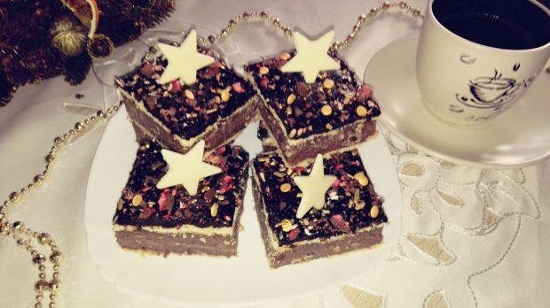 Świąteczny deser z orzechami laskowymi i migdałami