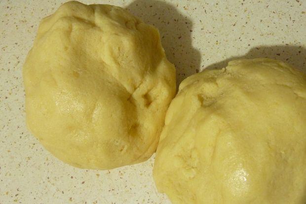 Świąteczny miodowiec z masą jabłkową i kokosową